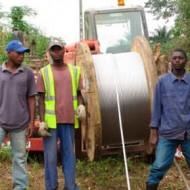 red suministro y distribución de energía en Golungo