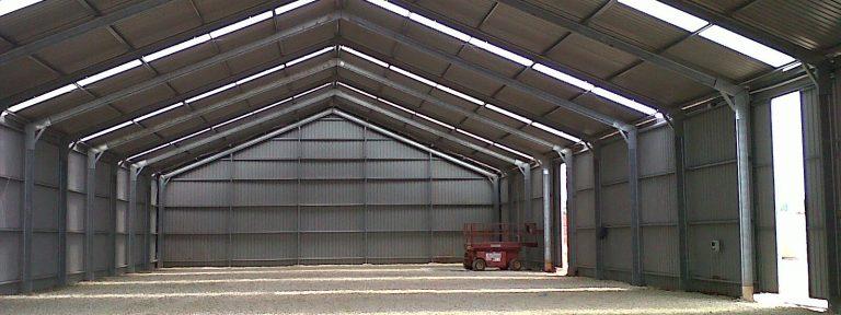 Construction d'une école de formation, 5 stations de développement et entrepôts pour le secteur agricole en Angola.